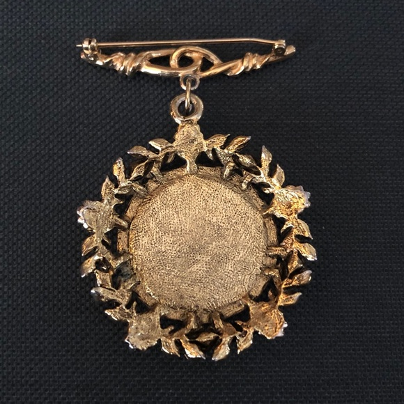 Cameo brooch chatelaine